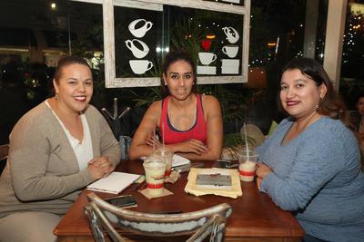Laura Moreno, Lili Ortiz y Carolina Heredia.
