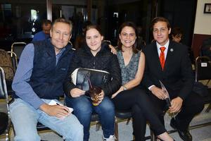 30102017 Carlos González, Rocío Galván, Karla González y Daniel González.