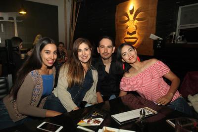 Paola Esparza, Nabil Esparza, Omar Murguía y Gladis Morán.