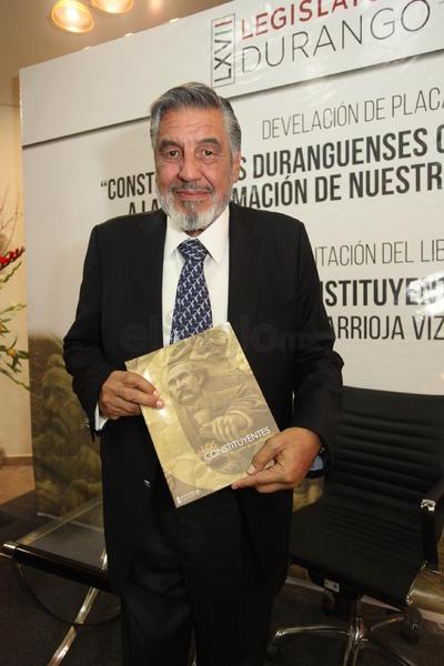 El patio del Congreso del Estado fue la sede de la presentación de un libro que le hace honor a Francisco Zarco.