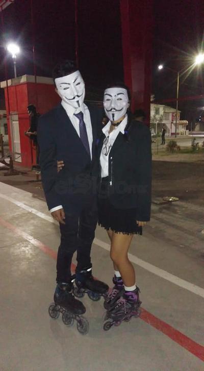 Algunos se disfrazaron igual que su pareja.