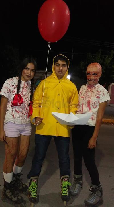 Se observaron disfraces de personajes en películas emblemáticas como IT el payaso asesino y Saw.