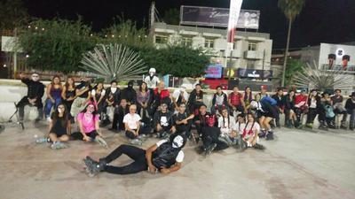 La rodada fue organizada por Laguna Roller Skating.