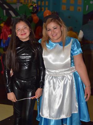 02112017 Valeria y Ana Karen.