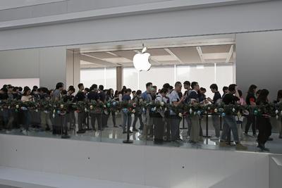 Desde tempranas horas, hubo filas en Hong Kong.