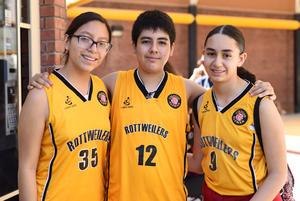 04112017 Zaira, Ari y Natalia.