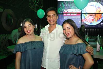 Alejandra, Kevin y Andrea.
