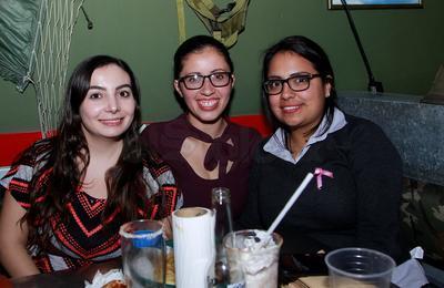Yamile, Madai y Mónica.