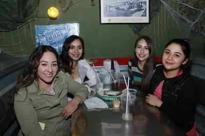 Jaqueline, Geraldine, Edith y Evelyn.