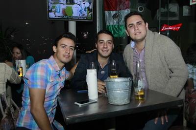 Arodi, Miguel y José Luis.