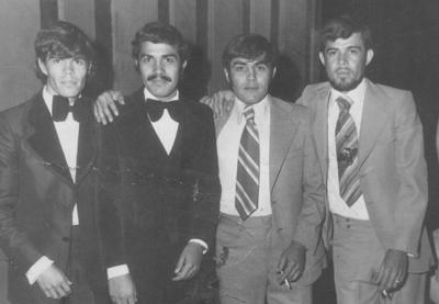 29102017 Graduación: Ing. Rosendo Ramírez con sus hermanos, Jaime, Sergio (f) y José Luis, en 1977.