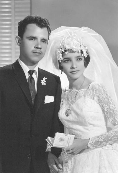 29102017 María Dolores Domíguez Favela y Felipe de Jesús de León Frausto contrajeron matrimonio el 27 de octubre de 1984.