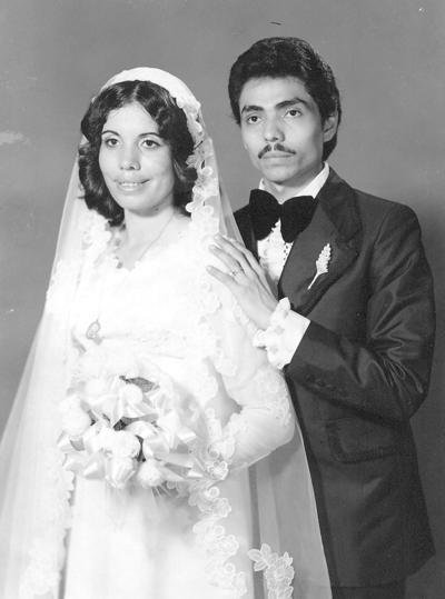29102017 Ma. Elena Hurtado de Rangel y Petra Ríos en 1977.