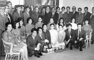 05112017 Funcionarios y empleados del despacho C.P. Gossler Navarro, Ceniceros y CIA en su aniversario en 1971.