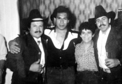 05112017 Jesús Guzmán y Adriana Villa con Los Cadetes de Linares en 1983.