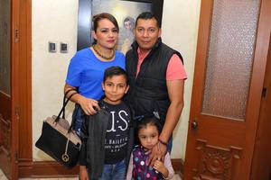 06112017 Nancy, Javier, Diego y Zoe.
