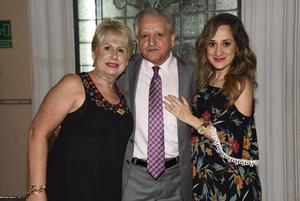 05112017 Laura Pérez, Dr. Fabio Pérez y Laura Garrido.