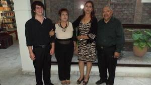 05112017 VELADA LITERARIA.  Uvaldo Carrera Martínez, Ma. de Lourdes Madrigal Uribe, Blanca Domínguez y Gustavo Guerrero González.