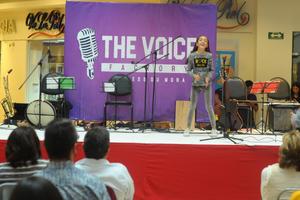 06112017 Los presentes disfrutaron un gran espectáculo.