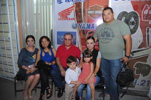 08112017 Rocío, Blanca, Vicente, Diana, Erick, Nicolás y Victoria.
