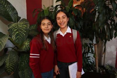Azul y María Isabel.