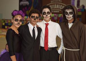09112017 TRADICIóN.  Alejandra, Humberto, Kenneth y Gael.