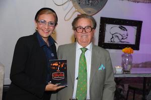10112017 PRESENTACIóN DE LIBRO.  Renata y Juan Antonio Monroy.