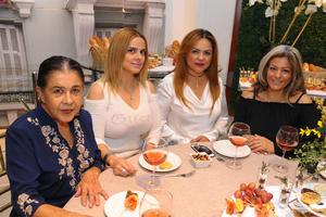 Pilar, Michel, Nancy y Carmen