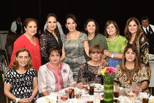 Martita, Dorita, Dora, Katy, Sandra, Caro, Martina, Paty, Lupita y María Luisa