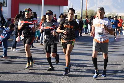El tercero para el jarocho radicado en la Comarca, Dionisio Castillo Calvarín, con una hora, 9 minutos y 12 segundos.