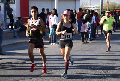 Se llevó a cabo la sexta edición del Medio Maratón Autocentro-Autopop.