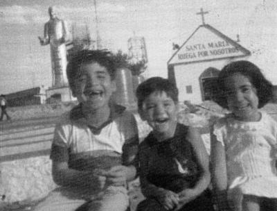 12112017 Sergio Fernando, Jesús Omar y Delia Carolina Aldape Carrillo, en 1982.