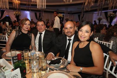 Shari Treviño, reina del 63 aniversario del Club Campestre Durango