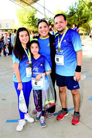 14112017 MUY CONTENTOS.  Familia Ramírez Oranday.