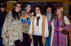 14112017 DIVERTIDA FIESTA.  Cecilia con Lucha, Esthela, Santiago y Susy.