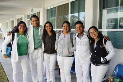 Gladis, Leonel, Hillary, Grecia, Carlos y Laura.