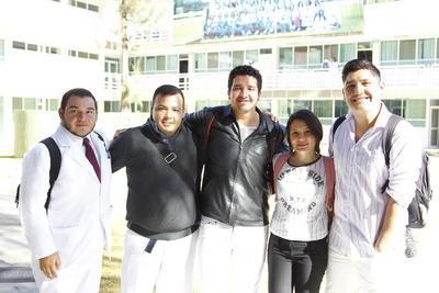 Víctor, Ahmed, Jesús, Daniela y Heber.