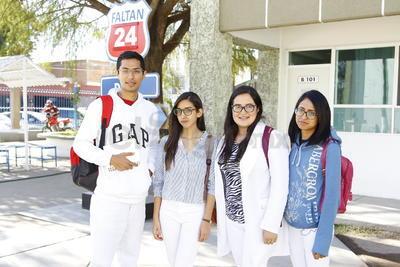Arturo, Andrea, Fernanda e Ingrid.