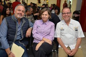 16112017 Jaime, Susana y Dr. Velasco.