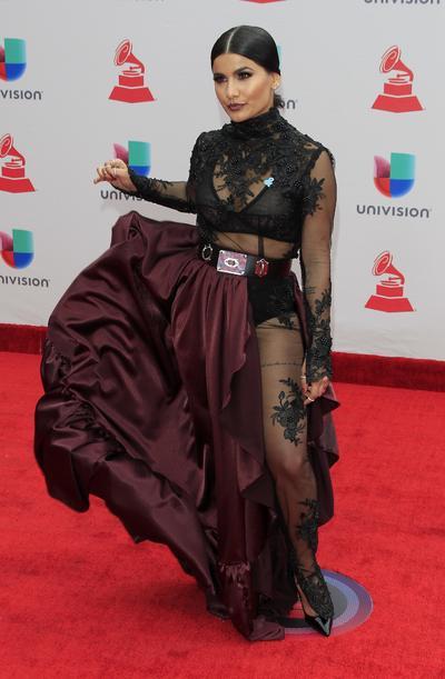 Martina La Peligrosa en la alfombra roja de los Grammy Latinos.