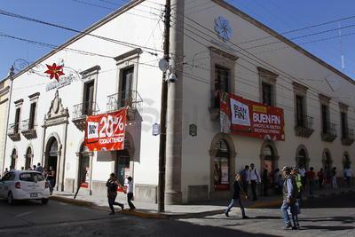 Otros establecimientos pusieron sus grandes ofertas un día antes del Buen Fin y la gente reaccionó positivamente, reconoció Miguel Castro Mayagoitia, presidente de la Cámara Nacional del Comercio (Canaco).