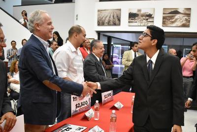 En el caso del Tecnológico de Monterrey, el jurado otorgó 99.30 % del total de los puntos y a la Unipoli 93.81%.
