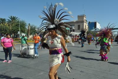 Este domingo los danzantes salieron a las calles de Torreón.