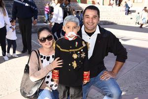 20112017 Adriana y Adolfo con Adolfo jr.
