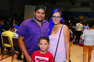 21112017 EN FAMILIA.  Ricardo, Mayra y Diego.
