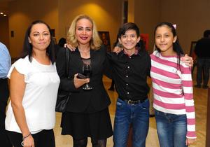 22112017 Karina, Lorena, Frank y Andrea.