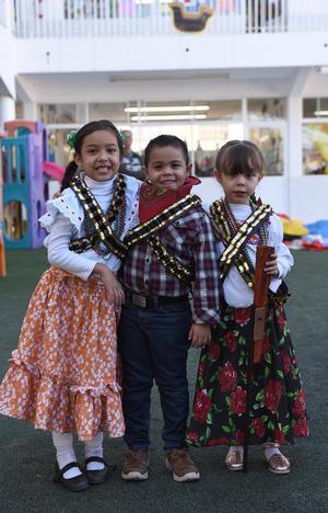 22112017 Zayra, Jesús Abimael y Paulina.