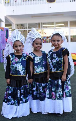 22112017 Sofía, Atzhiry y Suri.