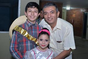 24112017 Arturo, Arturo y Vanessa.