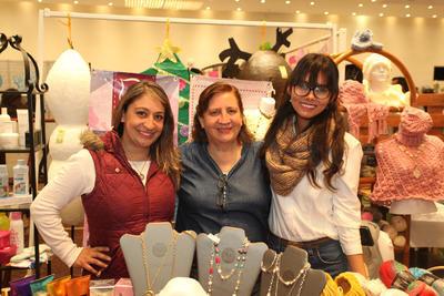 Jaqueline Estefanie, Evangelina Monarrez y Danae Villa.